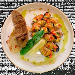 NEW! Запечені мідії з томатами, базиліком та сиром